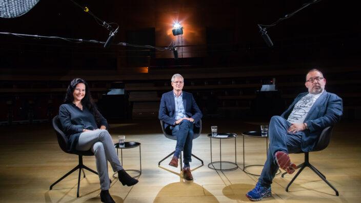 Diskurs Bayreuth 2020: Bernhard Neuhoff im Gespräch mit Barrie Kosky und Julia Spinola